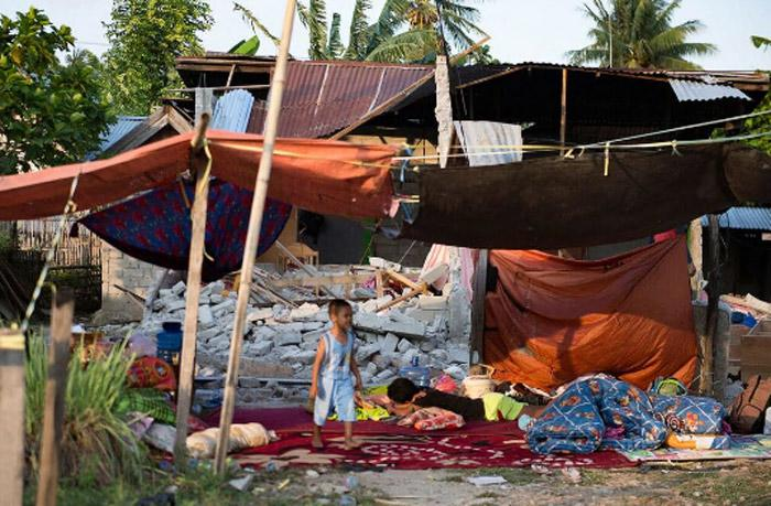 Tsunami and earthquake in Indonesia: children need your help