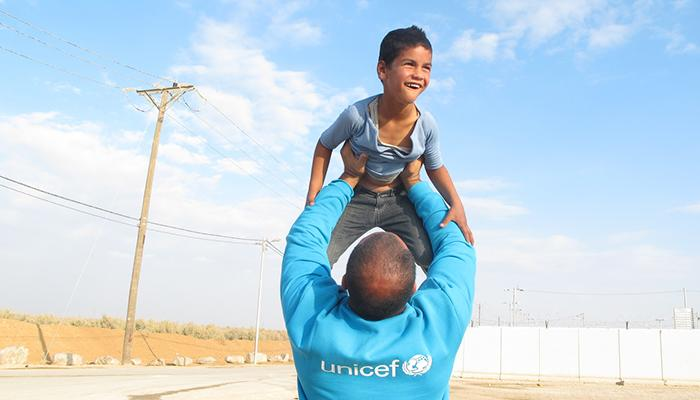 UNICEF HELPs CHILD MIGRANTS AND REFUGEES